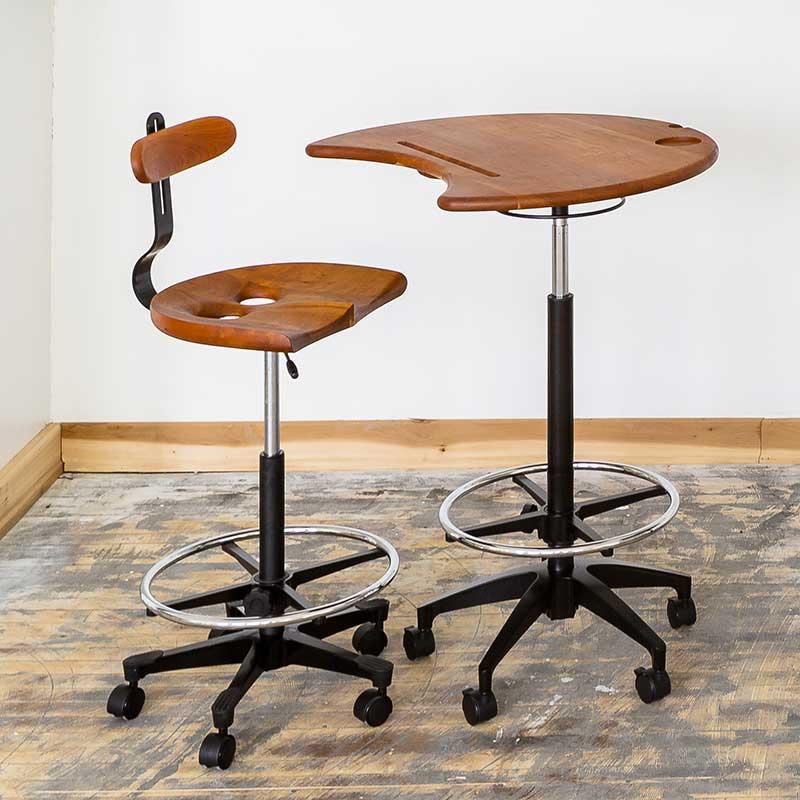 Owl Standing Desks